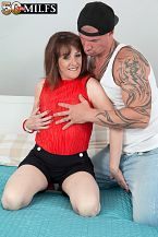 The recent British MILF bonks the delivery boy